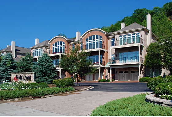 Twain S Point Condominiums On Riverside Drive East End